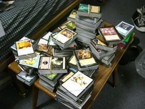 una serie di mazzi di carte